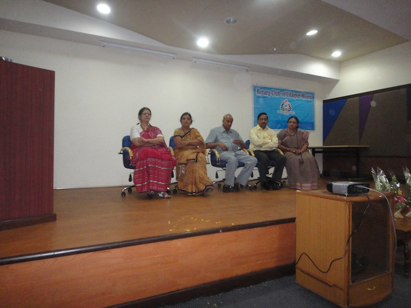 Rotary Club Meera lauded Doctors for their contribution
