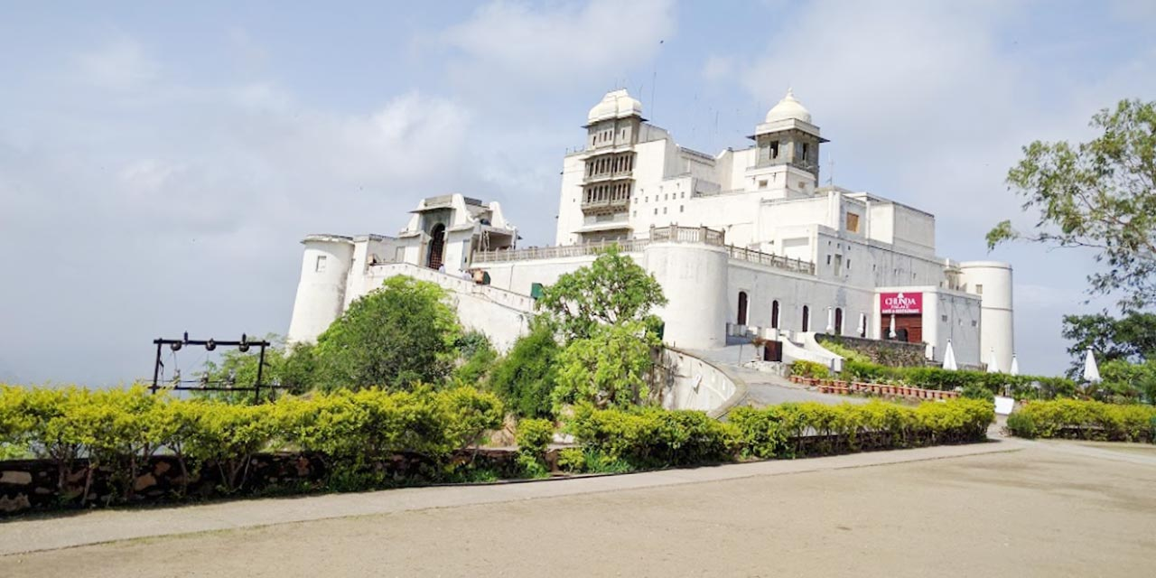 monsoon-palace-sajjangarh-palace
