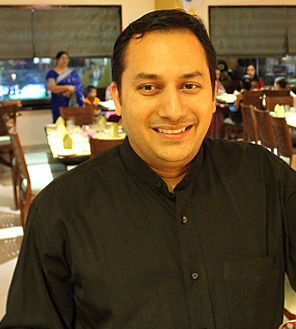 Interview with the Famous Chef: Vimal Dhar