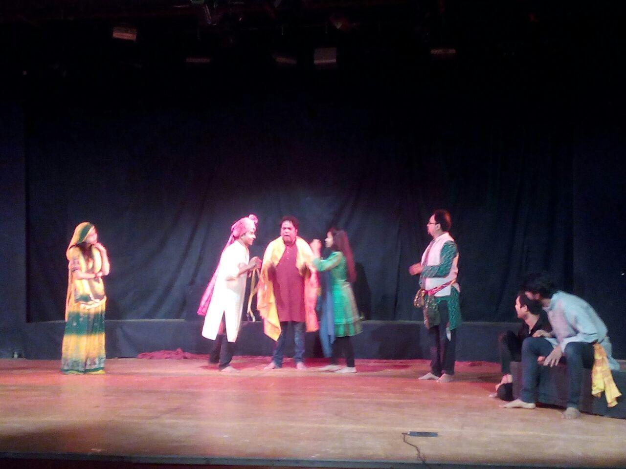 """'Honor Killing' जैसे गम्भीर विषय को नाटक """"पुकार"""" के रूप में दिखाया, शिल्पग्राम की रंगशाला में!"""