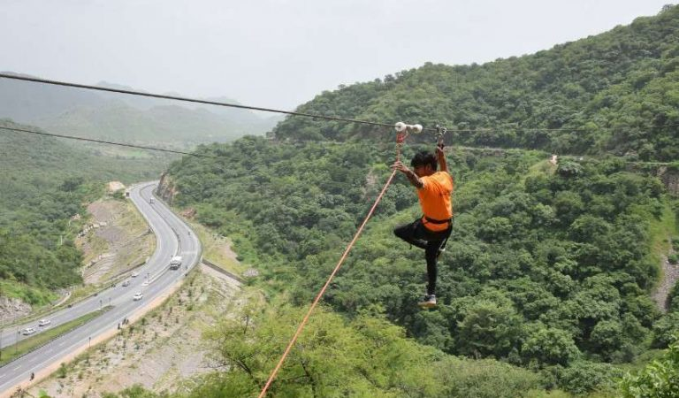 Now You Can Zip-line in Udaipur @Rs200!