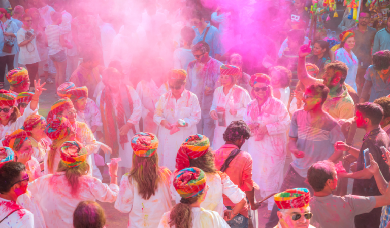 5 Off-beat ways to celebrate your Holi in Udaipur