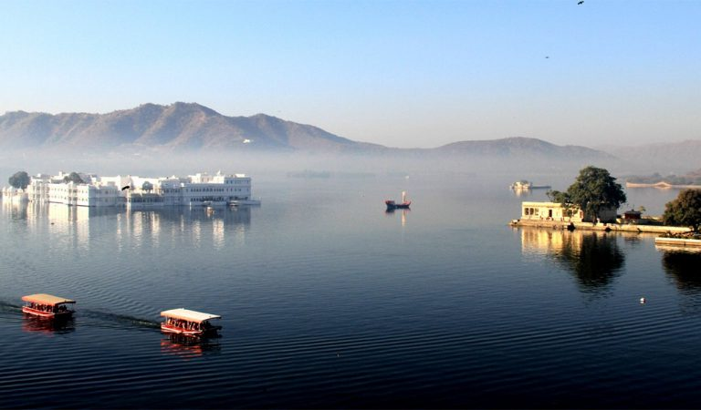 Winter knocking!! Mercury starts to drops in Udaipur